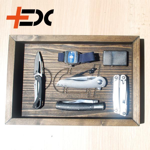 Fenyő EDC tálca, ami segít, hogy a mindennapi dolgaid könnyen megtaláld!